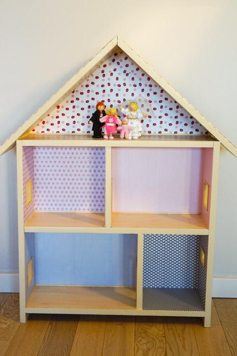 Završena kućica za lutke