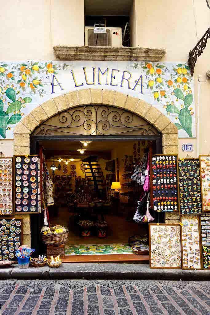 Prodavnica suvenira Čefalu Sicilija