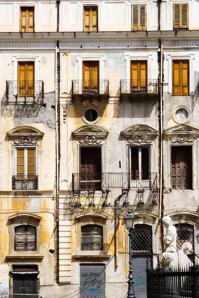 Palermo fasada zgrade na trgu Prettoria